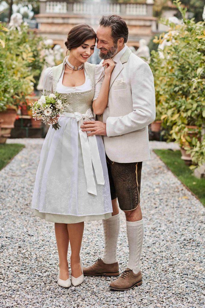 Hochzeitstracht Pärchen